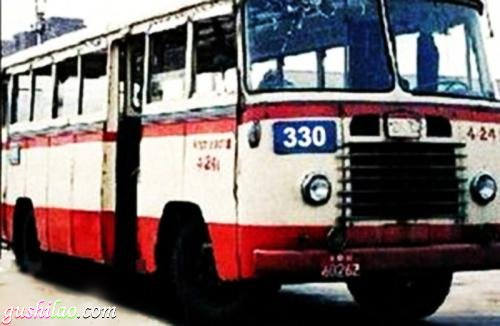 轰动北京城的330路公交车